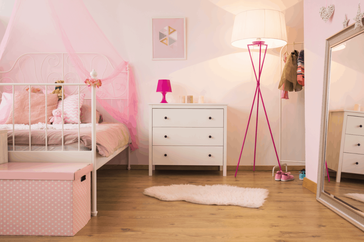 What colors go with a pink for a bedroom
